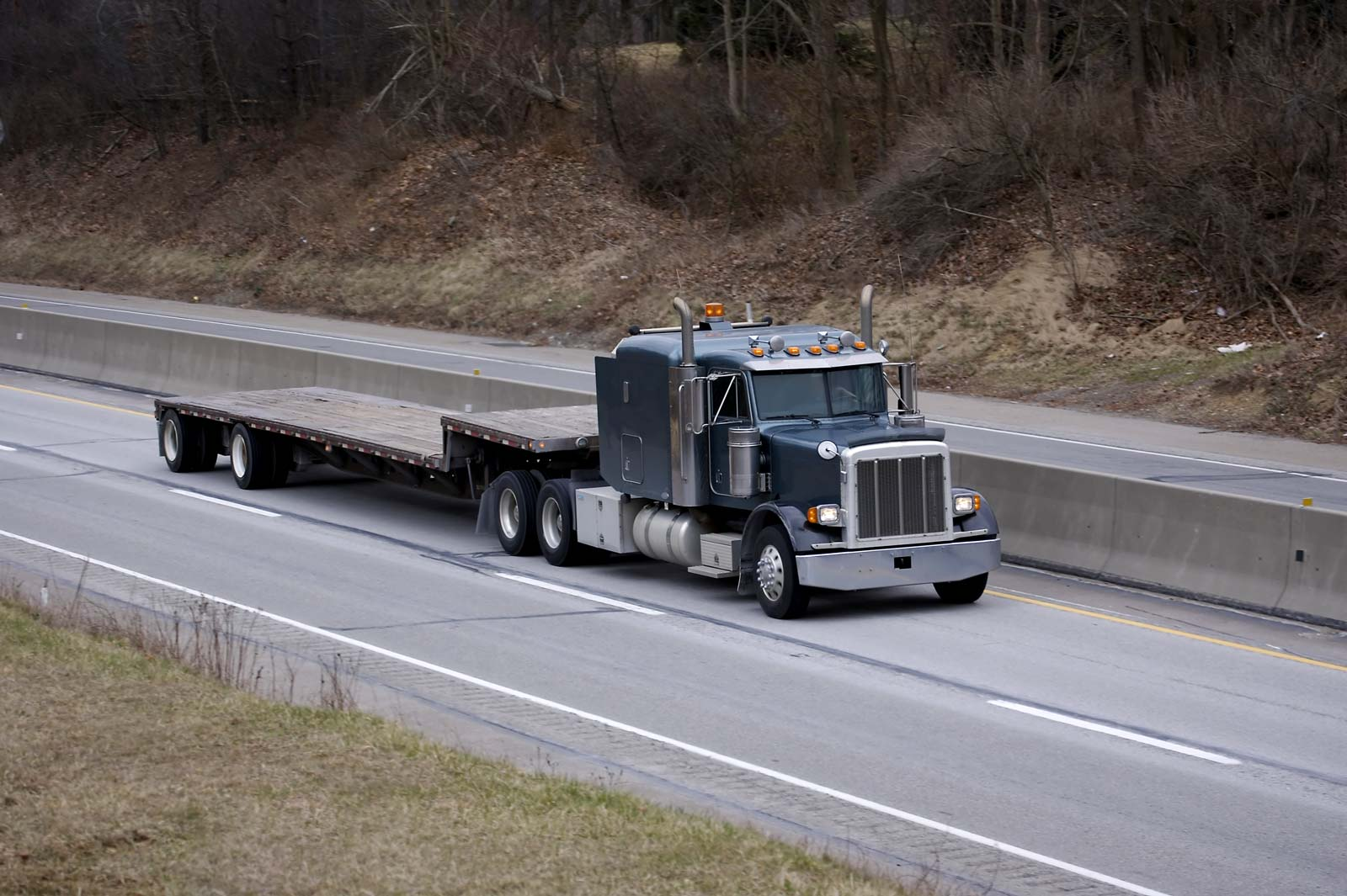 Step Deck Trailer >> Step Deck Drop Deck Trucking Services Mongoose Freight Solutions